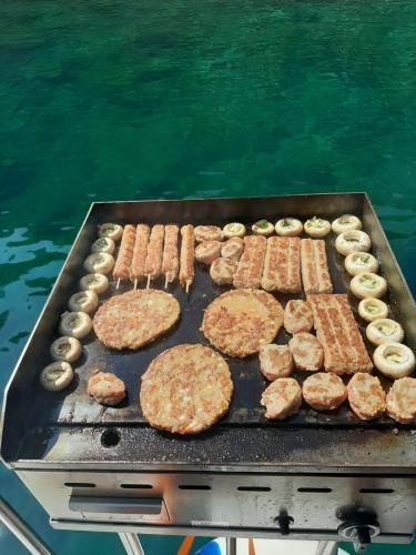 Fish picnic